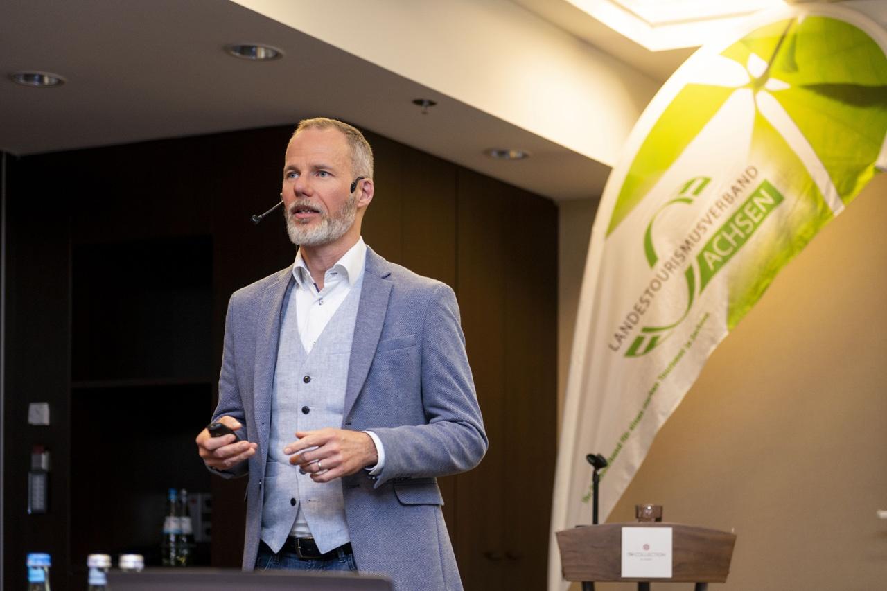 Dr. Alexander Schuler bei der ZukunftSchmiede Digital